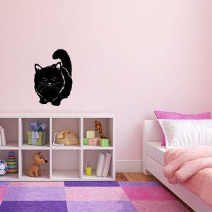 מדבקת קיר חתול שחור בחדר ילדים ורוד