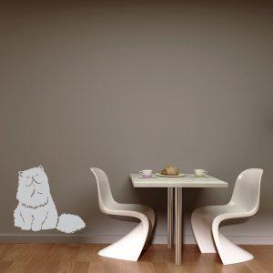 מדבקת קיר חתול אפור שמן ומצחיק על קיר בפינת אוכל