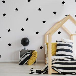 מדבקת קיר כוכבים שחורים על קיר נוער