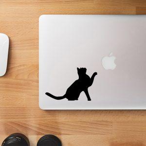 מדבקה למחשב נייד בעיצוב אישי של חתול עם יד באויר